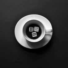 DR.TÓTH-PIUSZ István: A szerencsejátékos kávéja Függőség – tetszőleges eszközzel